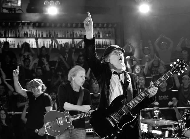 Angus Young bei einem Konzert
