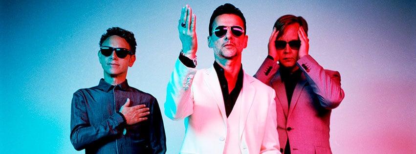 Depeche Mode vor buntem Hintergrund