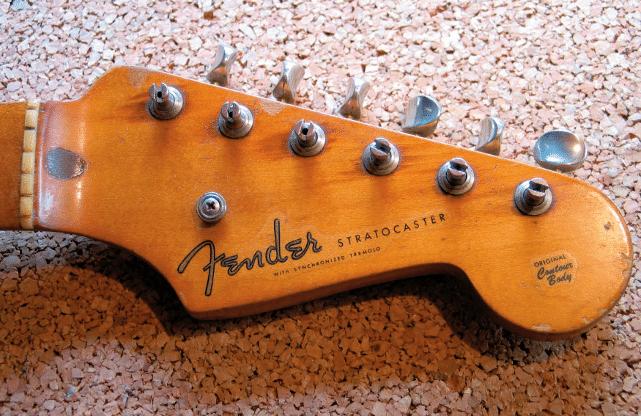 Die Kopfplatte der Fender Stratocaster