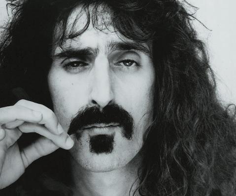 Frank Zappa in Schwarzweiß