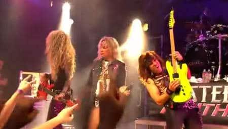 Gitarristen auf der Bühne