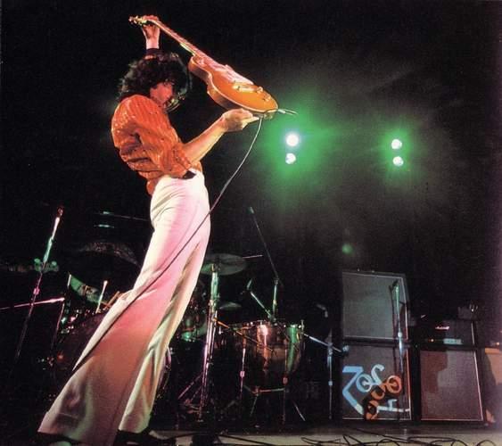 Jimmy Page mit Gitarre