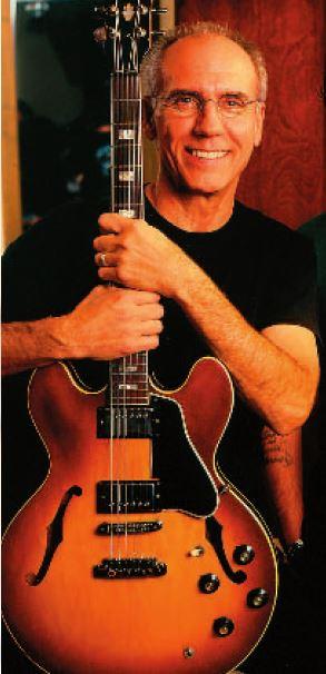 Larry Carlton mit ES-335