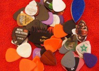 Bunte Gitarrenplektren