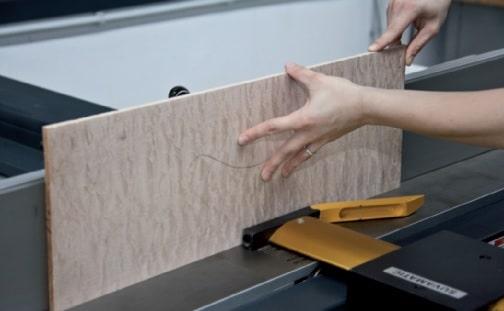 Abrichten und Hobeln der Deckenplanken