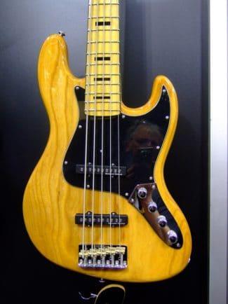 Bass von Schecter