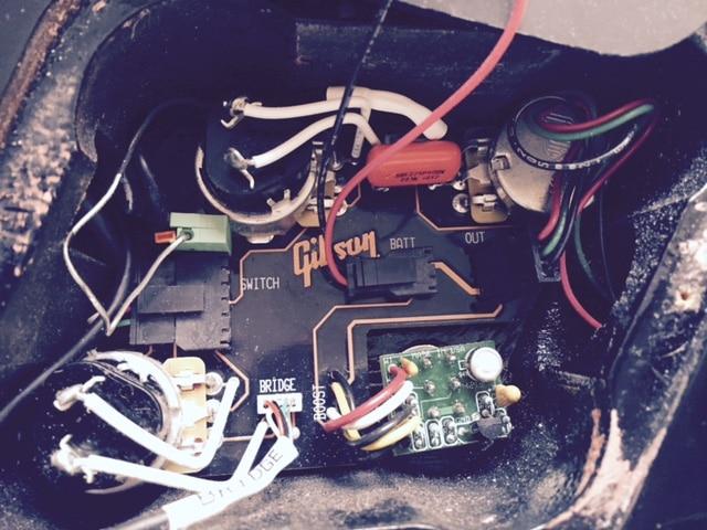 Den Mini-Schalter einer 2014er Les Paul Classic ersetzen. | GITARRE ...