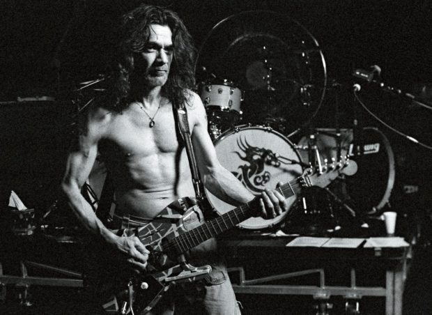 Eddie Van Halen mit Strat