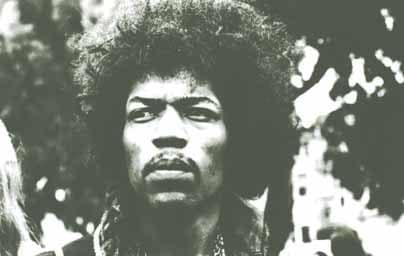 Jimi Hendrix in schwarz-weiß