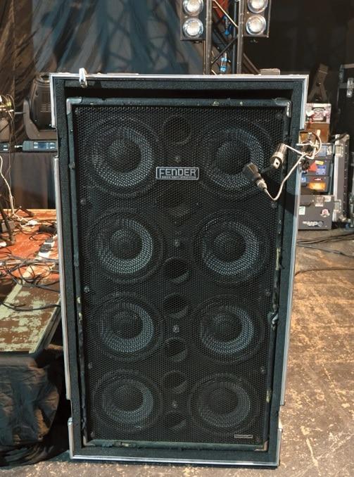 Fender bass box 8x10