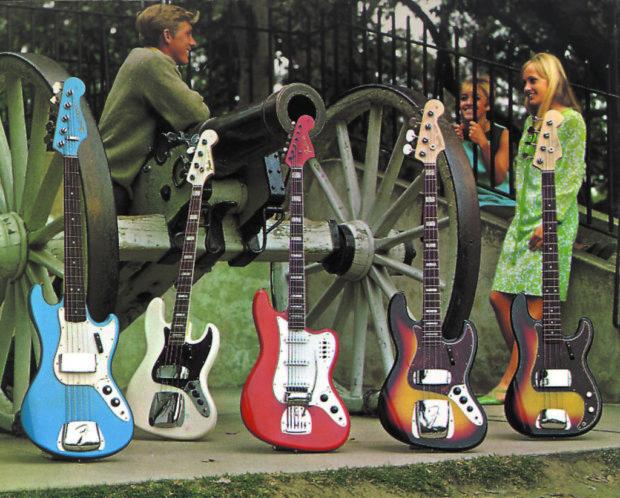 Verschiedene Bässe von Fender