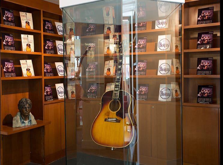 Lennon Acoustic
