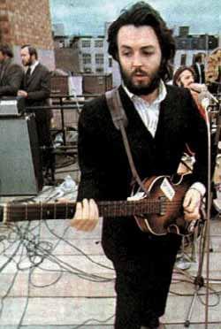 McCartney beim letzten Konzert auf dem Apple-Gebäude