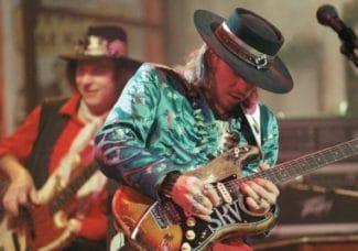 SRV mit Gitarre aka Stevie Ray Vaughan
