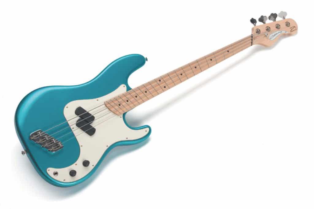 E-Bass von Dingwall, blau-weiß, liegend