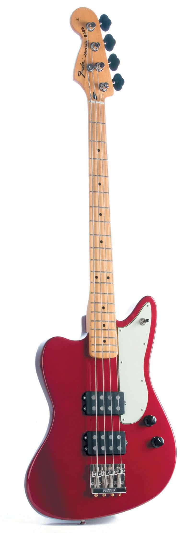 E-Bass von Fender in Linkshänder-Optik, rot, stehend