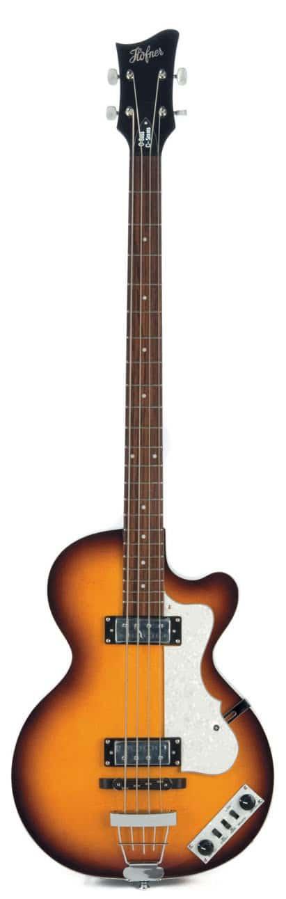 E-Bass von Höfner im Violinen-Design, stehend