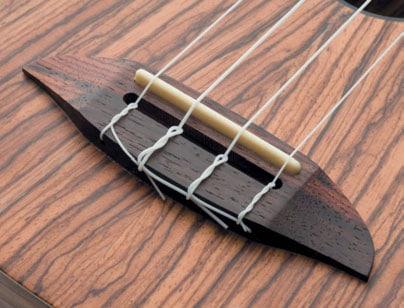 Eine Konzertgitarre mit Nylon Saiten