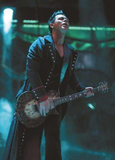 Rammstein-Gitarrist Richard Kruspe mit ESP