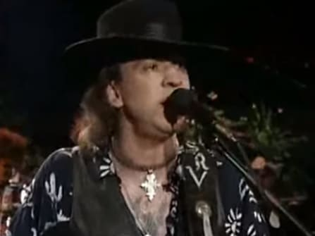 Stevie Ray Vaughan singend