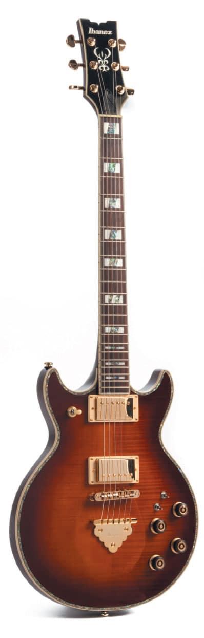 E-Gitarre von Ibanez im Vintage-Style, stehend