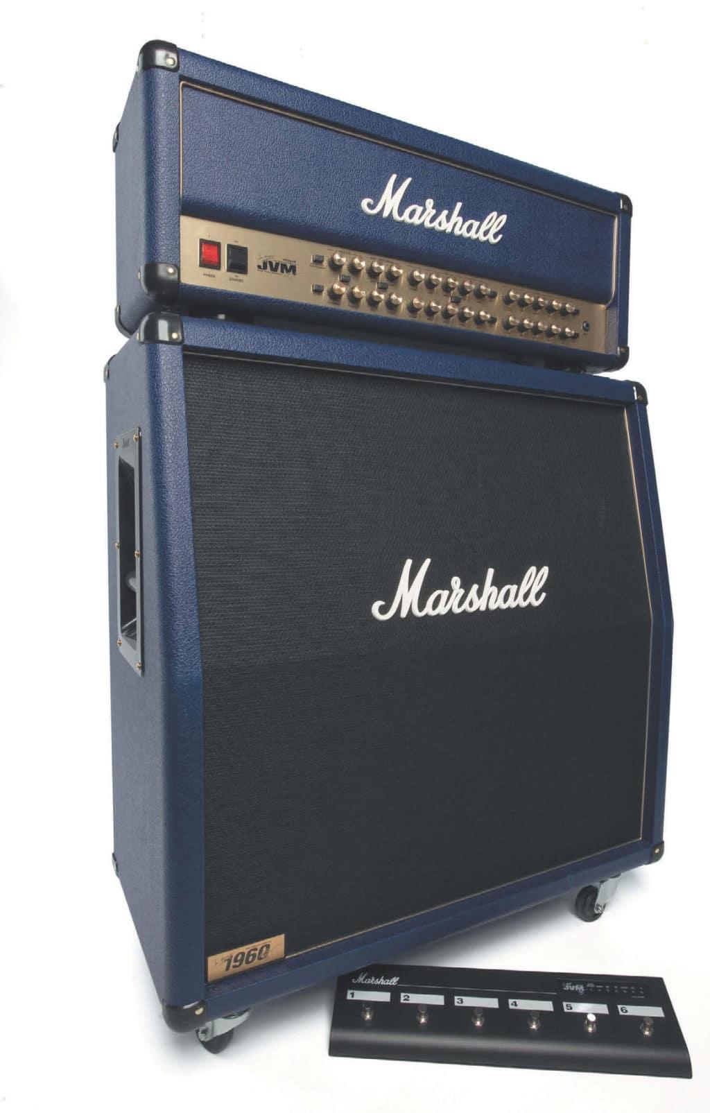 E-Gitarren-Verstärker von Marshall, Topteil mit Box und Fußschalter