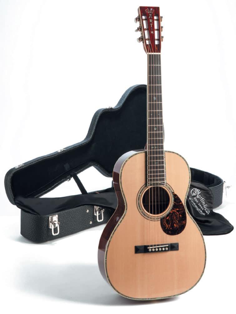 Akustik-Gitarre von Martin mit Koffer