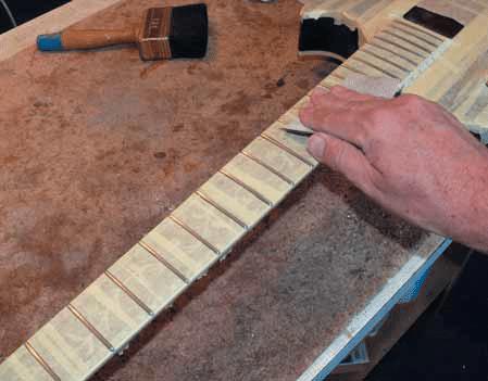teil 3 gitarre tunen richwood re 135 gitarre bass. Black Bedroom Furniture Sets. Home Design Ideas