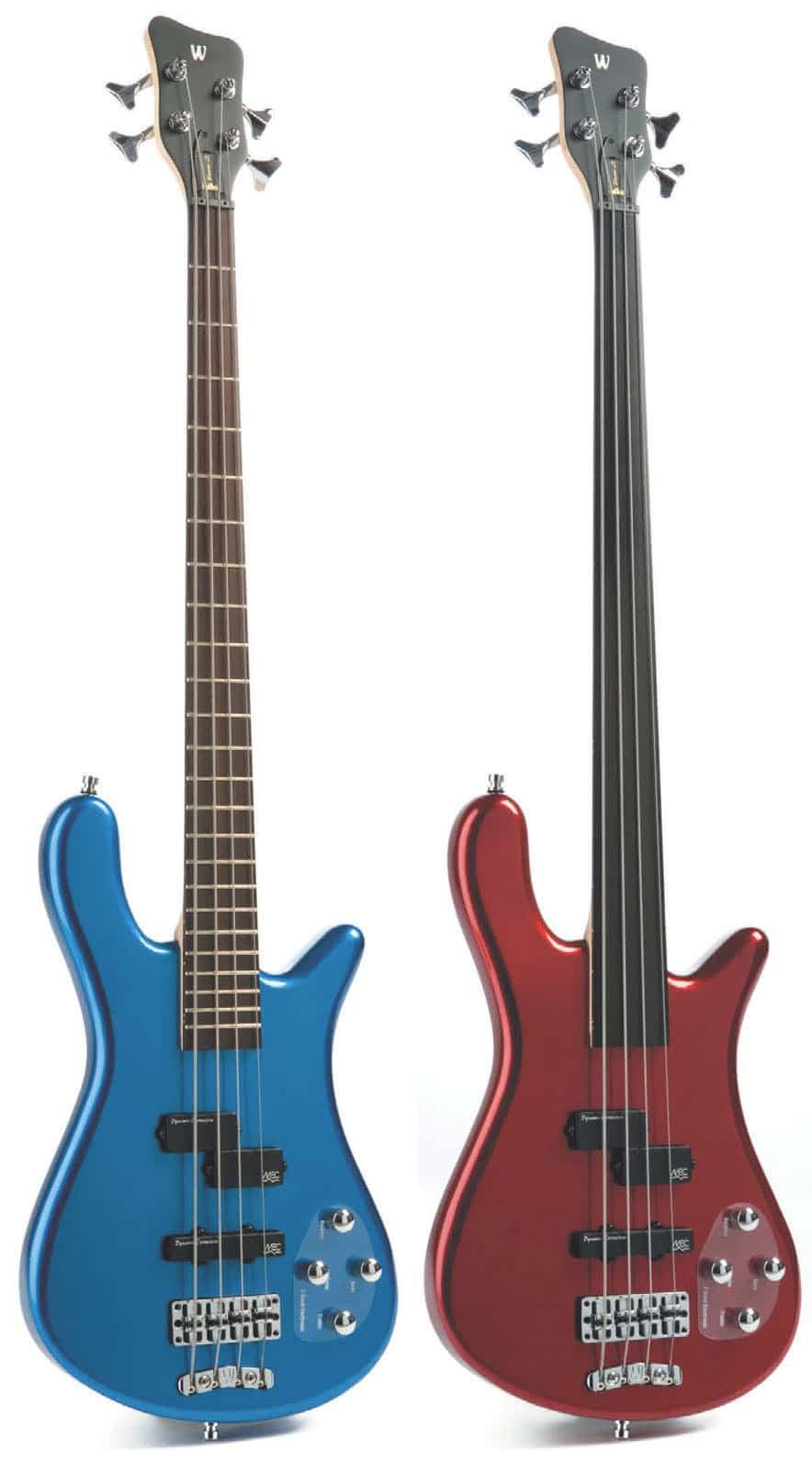 Zwei E-Bässe, fretted bzw. fretless, von Rockbass, stehend