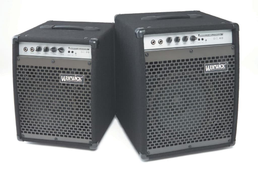 Zwei Bass-Kofferverstärker von Warwick