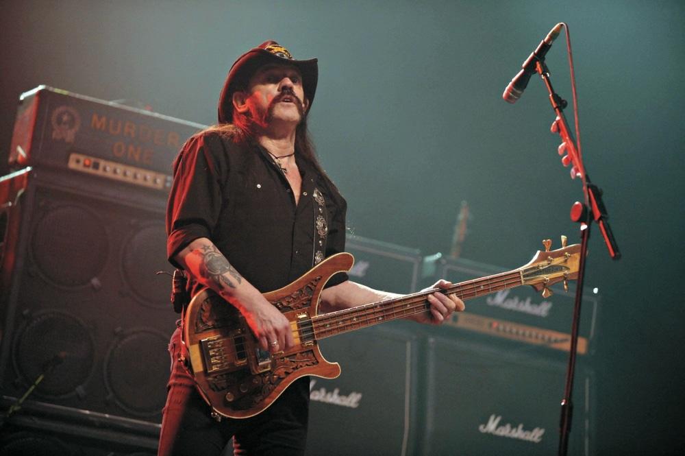 Lemmy auf der Bühne