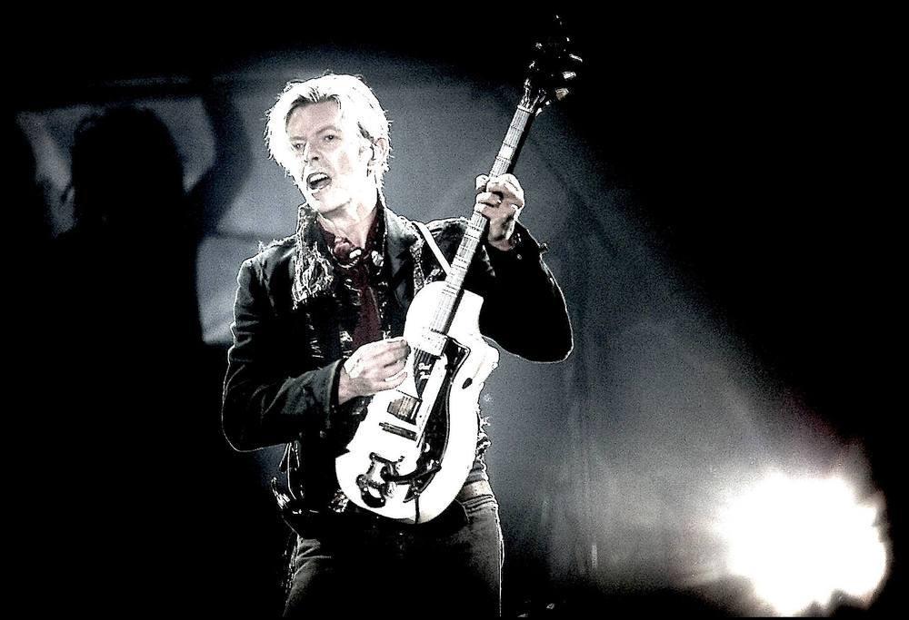 David-Bowie-Gitarre