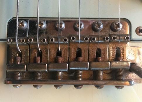Vibrato der einer Fender Gitarre