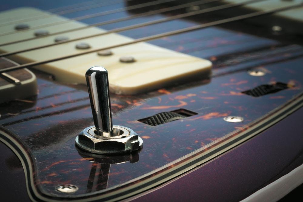 Fender Troy Van Leeuwen_01