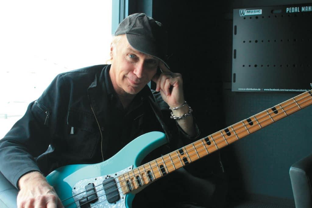Bass-Rock-Legende Billy Sheehan im Interview   GITARRE & BASS