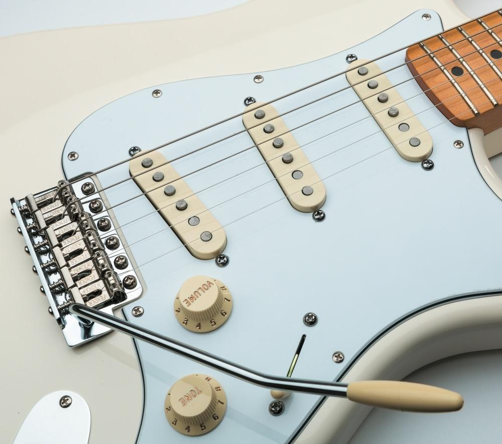 Fender J. Hendrix Strat_03