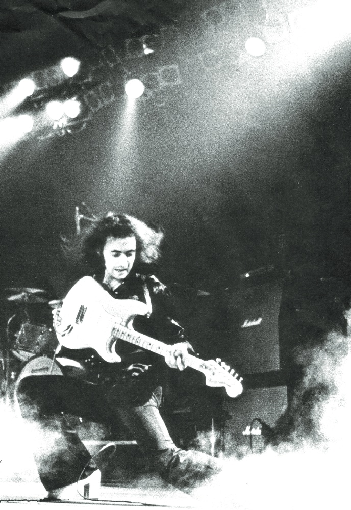 "Ritchie Blackmore performt live zu seinem Album ""Ritchie Blackmore's Rainbow""."