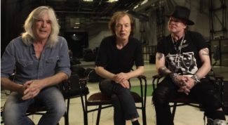Angus Young, Cliff Williams und Axl Rose