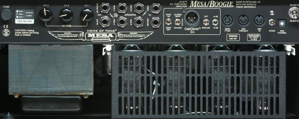 Opulente Ausstattung mit MIDI-Speicher und D.I.-/CabClone-Sektion