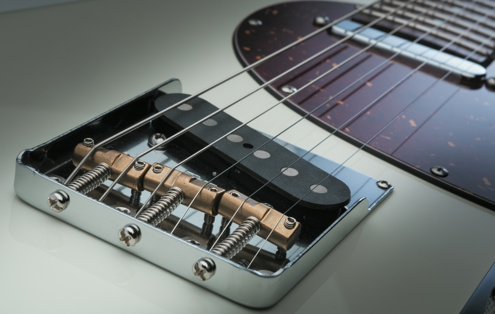 Starke Good Tone Singlecoil Pickups und T-Tune Bridge