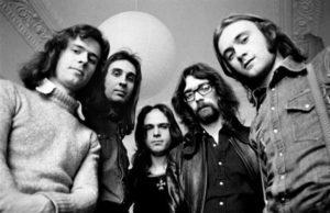 Genesis 1970, unverkennbar mit Phil Collins.