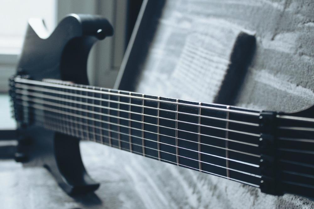 30 Zoll Mensur und 8-Saiten – Meshuggahs M80M ist harte Arbeit