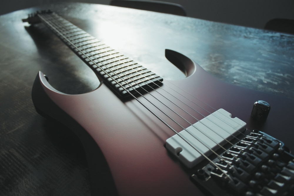 Die Ibanez DCM100 Dino Cazares (Fear Factory) Signature 7-String
