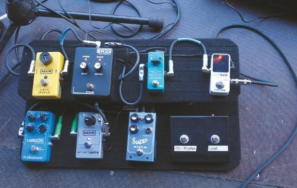 the-dead-daisies-david-lowy-pedalboard