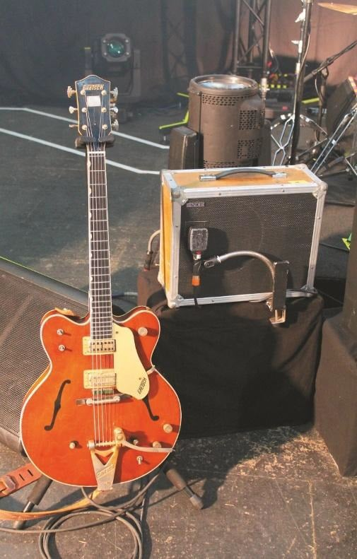element-of-crime-gretsch-chet-atkins