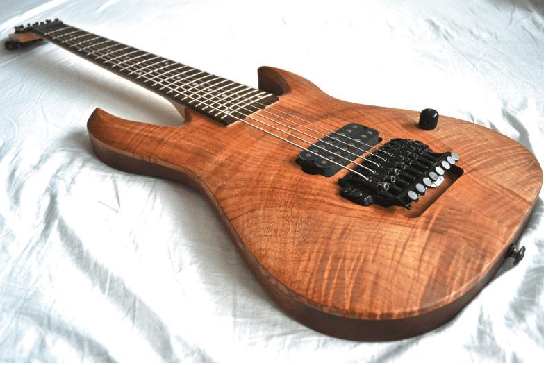 Eine Ibanez RGA8 mit neuem Korpus vom lokalen Gitarrenbauer