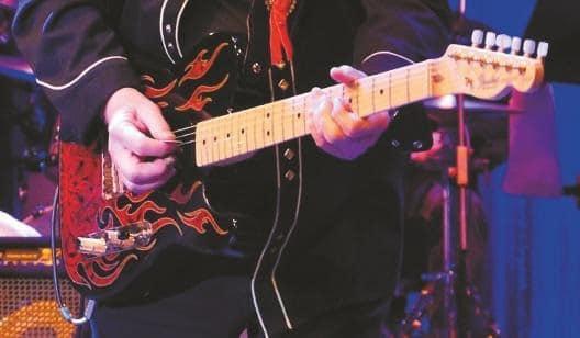 gitarrist-james-burton-plektrum-plus-national-metallpick