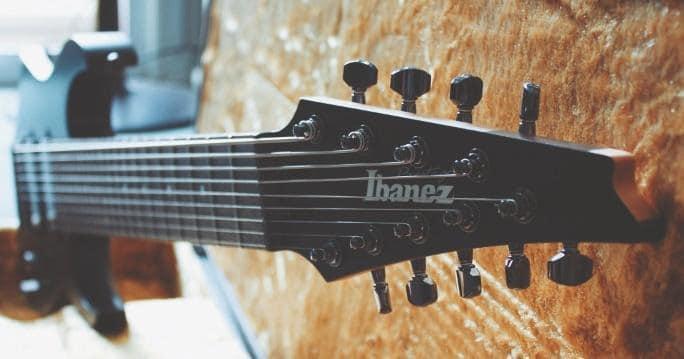 extended-range-guitars-ibanez-rg90-kopf