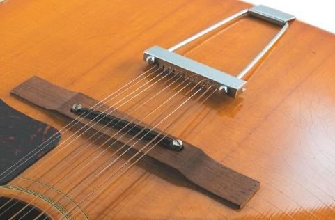 gibson-12-string-von-1967-steg-und-trapezsaitenhalter