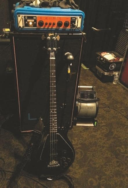 the-melvins-king-buzzo-grunge-ikone-steve-mcdonalds-gibson-ripper-bass-ii